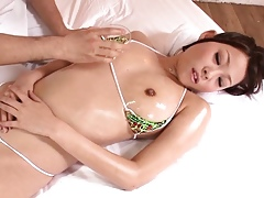 Bikini cosplayer object pussy rubbed unconnected with masseur