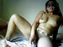 Filipina dancer masturbates