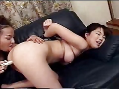 Japanese girls kiss949